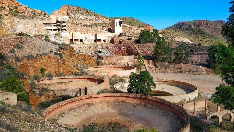 Excursión a las antiguas minas de oro de Rodalquilar.